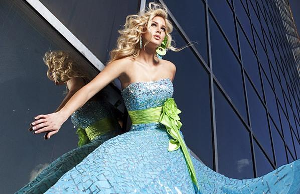 1eec5b043ba Абитуриентски рокли за вашия бал   ПО-КРАСИВИ