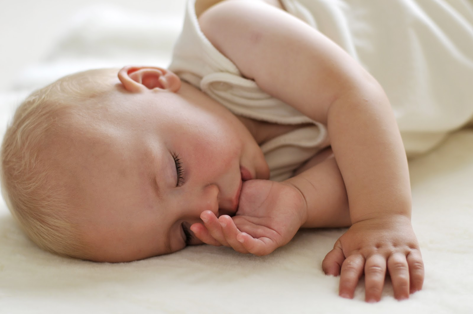бебе спи