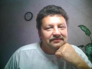 Тошко Даракчиев е доволен от колана с магнити и турмалин