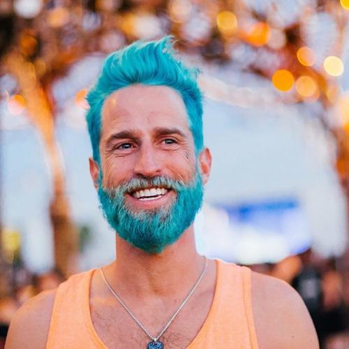 man colourful hair (1)