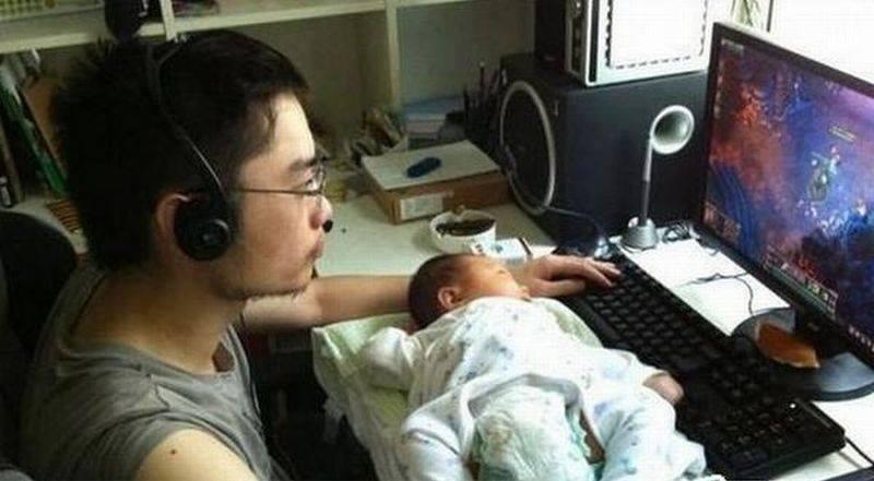 татко гледа децата (17)