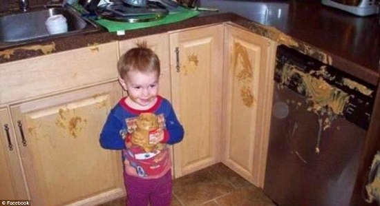 3203444300000578-3483248-Yum_This_toddler_above_liked_peanut_butter_so_much_he_shared_it_-a-50_1457527781673