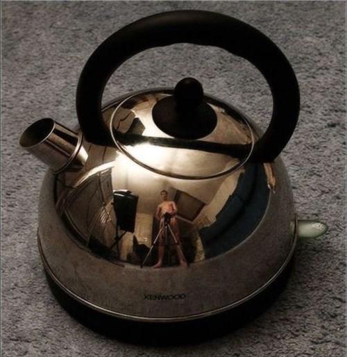 Виждате ли отражението в чайника