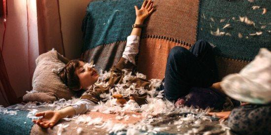 elitedaily-Beatrix-Boros-messy-room-800x400