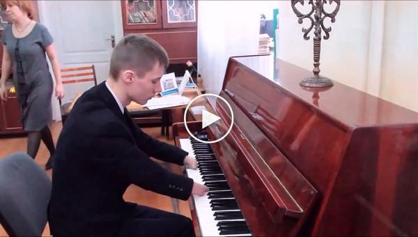 пианст без ръце