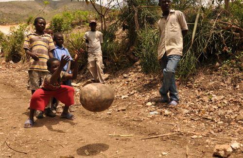 Боулинг в Хаити от Джош Мелин