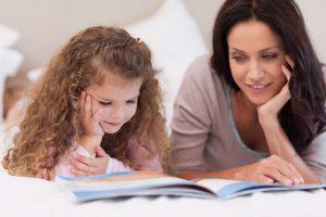 четене-приказка-майка-дете