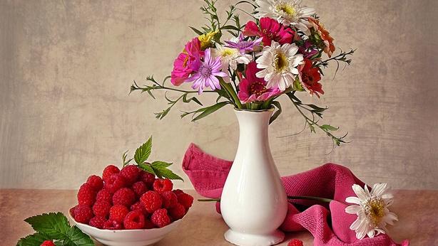 fruit-still-life-vase-summer