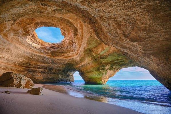 Морска пещера в Алгарве - Португалия