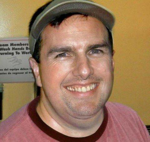Том Круз като служител във верига за бързо хранене