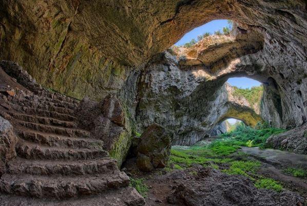 Деветашката пещера 2