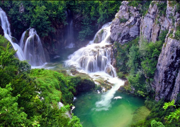 Крушунски водопади, с. Крушуна, община Летница