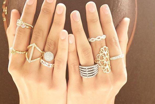 Пръстени на много пръсти